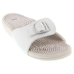 Kenkoh Chai White Sandals