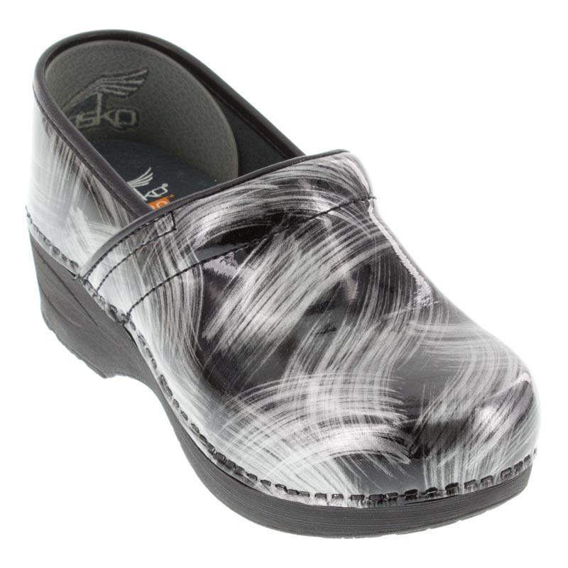 Dansko XP 2.0 Brushed Patent Pewter Women Leather Slip Resistant Clogs Shoes