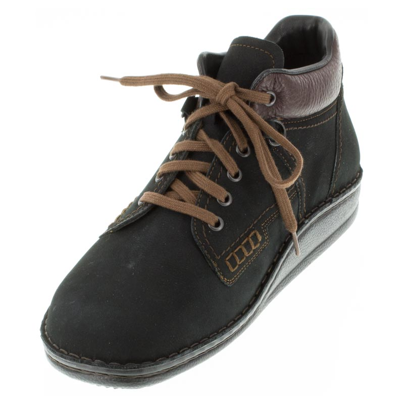 Finn Comfort Linz Black Nubuck front right side right shoe