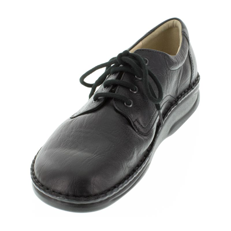 Finn Comfort Metz Black Leather front right side right shoe
