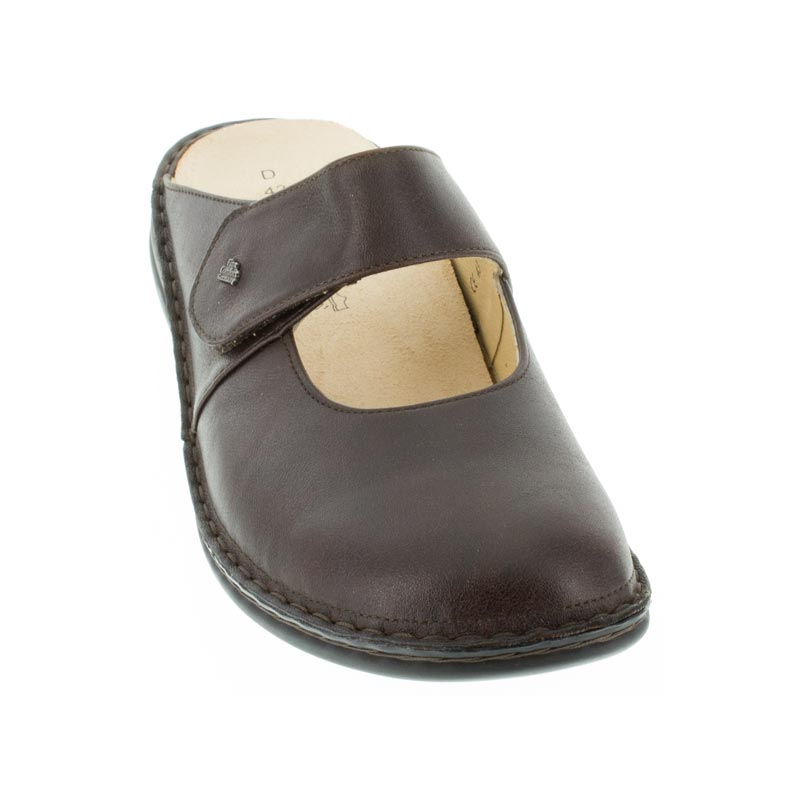 Finn Comfort Stanford Kaffee Leather front left side right shoe