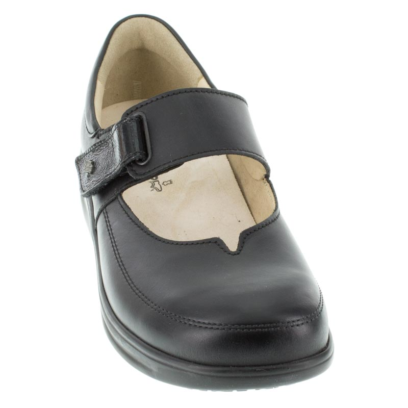 Finn Comfort Nagasaki Black Leather front left side right shoe