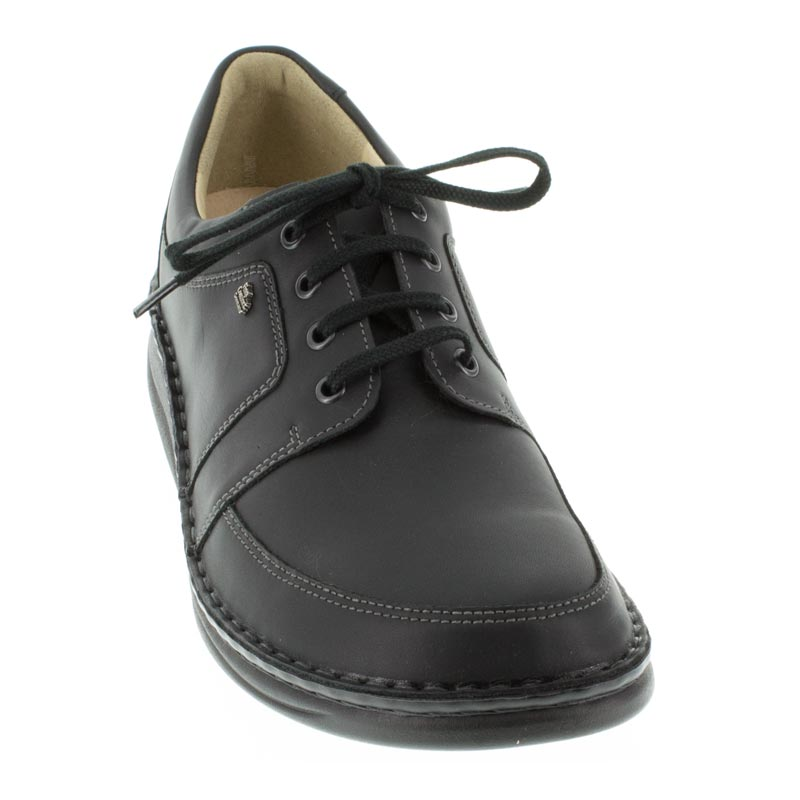 Finn Comfort Norwich Black Leather front right shoe