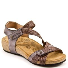 Taos Trulie Chocolate Sandals