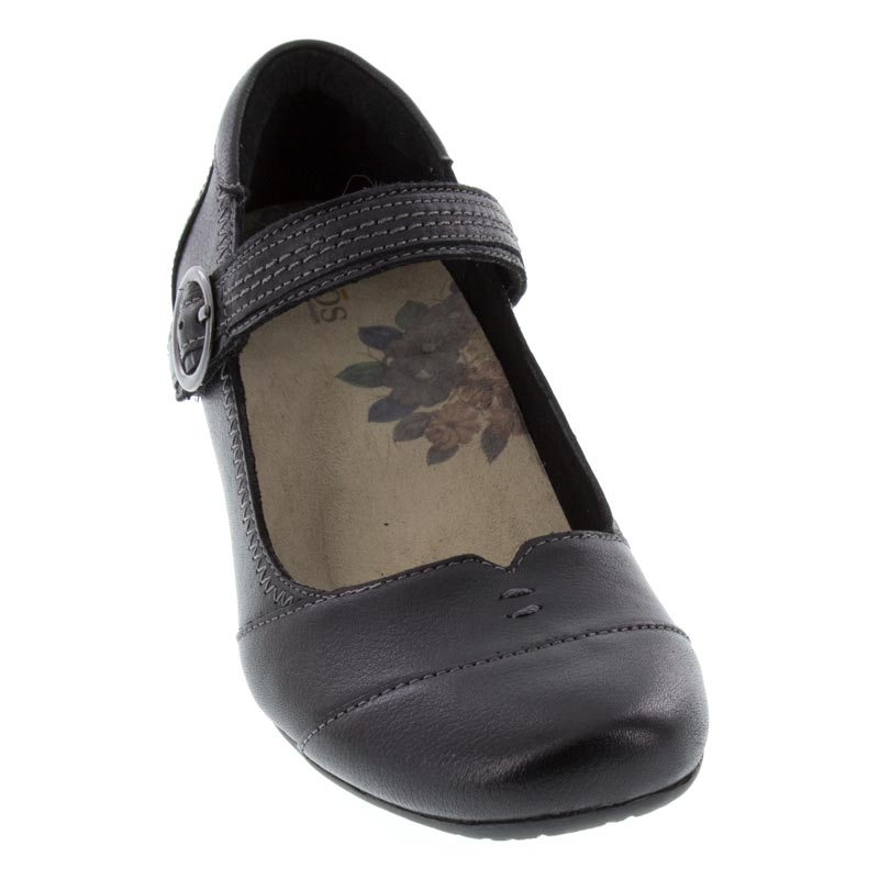 Taos Virtue Shoes Size